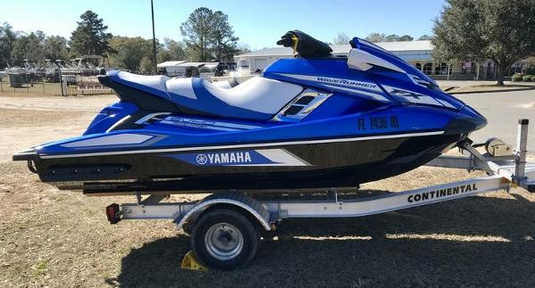2017 Yamaha boat for sale, model of the boat is FX SVHO & Image # 4 of 9