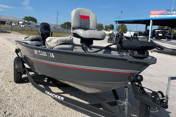 2017 Tracker Boats boat for sale, model of the boat is Guide Laker & Image # 2 of 2
