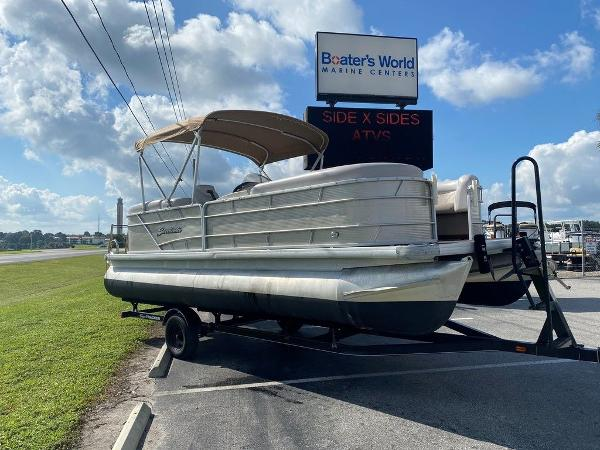 2018 Sweetwater boat for sale, model of the boat is 2286 & Image # 4 of 12
