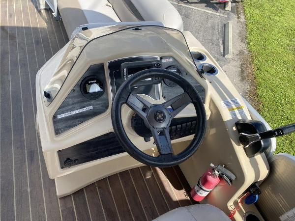 2018 Sweetwater boat for sale, model of the boat is 2286 & Image # 9 of 12