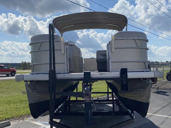 2018 Sweetwater boat for sale, model of the boat is 2286 & Image # 10 of 12