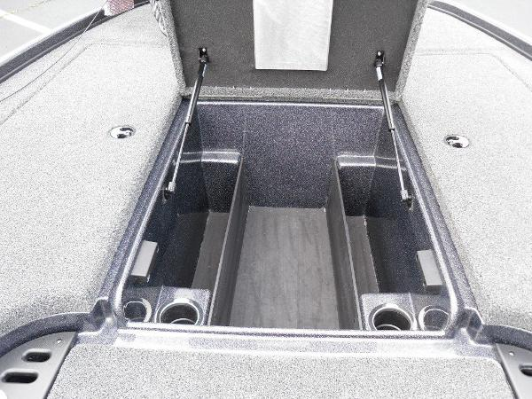 2021 Nitro boat for sale, model of the boat is Z18 Pro & Image # 8 of 25