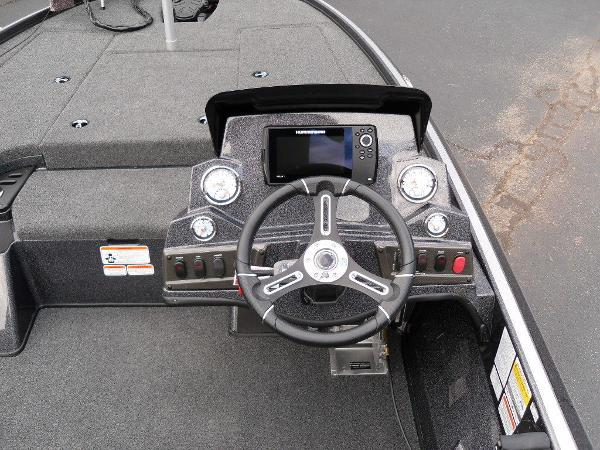 2021 Nitro boat for sale, model of the boat is Z18 Pro & Image # 13 of 25