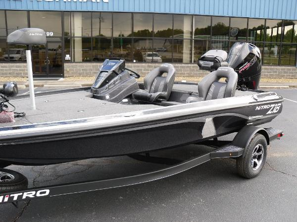 2021 Nitro boat for sale, model of the boat is Z18 Pro & Image # 3 of 25