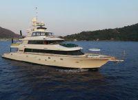 2004 Westport Semi-displacement motor yacht