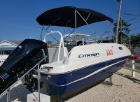 2022 Sea Pro 2400 SC Deck Boat