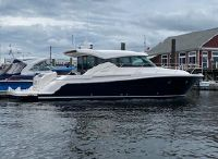 2018 Tiara Yachts 44 C