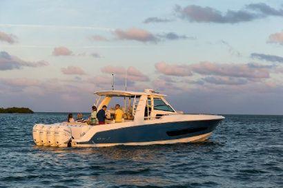 2022 42' 8'' Boston Whaler-420 Outrage Orlando, FL, US