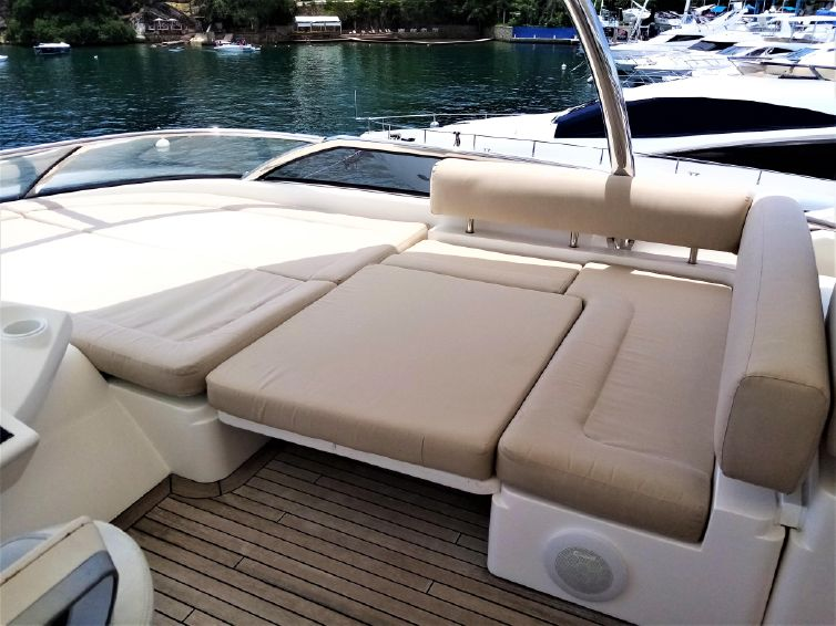 2008-91-11-sunseeker-90-yacht