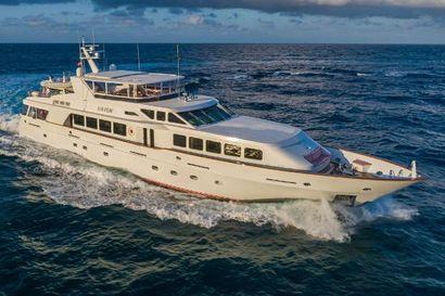2002 124' Trinity Yachts-Raised Pilothouse Fort Lauderdale, FL, US