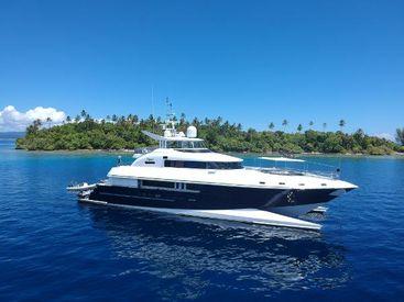 2005 114' 10'' Custom-New Zealand Yachts 35m Wavepiercer Gold Coast, QLD, AU