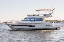 2022 Prestige 460 Flybridge