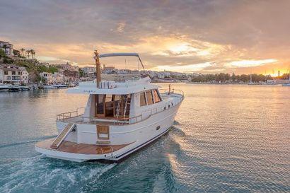 2022 55' 5'' Sasga Yachts-Menorquin 54 Flybridge Gosport, E19, GB
