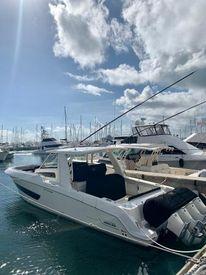 2019 42' 6'' Boston Whaler-420 Outrage FAJARDO, PR