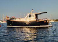 2002 Menorquin Yacht 110
