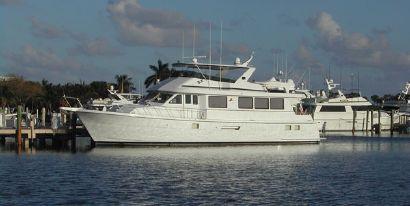 1998 74' Hatteras-Sport Deck Miami Beach, FL, US