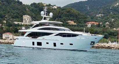 2020 100' 3'' Princess-30M Cannes, FR