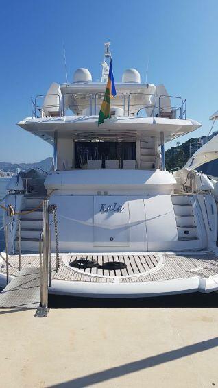 2008-90-sunseeker-90-yacht