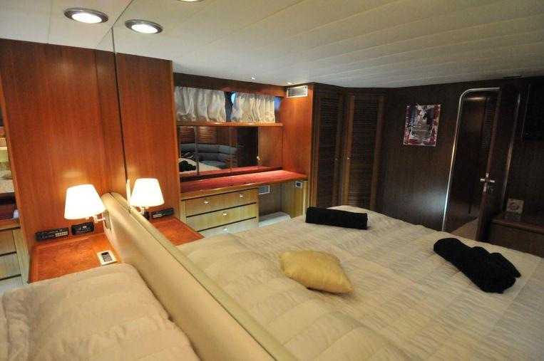 1987-91-10-azimut-28m-5-cabins-vat-payed