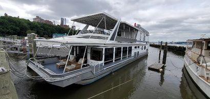 2001 83' Stardust Cruisers-1883WBSS New Rochelle, NY, US