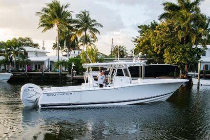 2022 33' Southport-33 FE Fort Lauderdale, FL, US