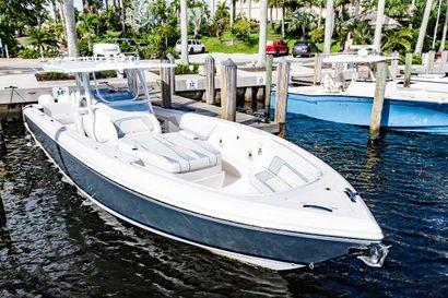2020 40' Intrepid-407 Nomad FE Deerfield Beach, FL, US