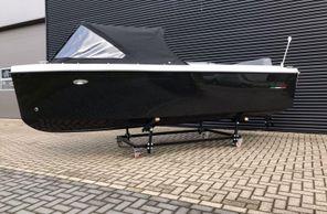 2021 Tender Tridente 16SQ incl 9.8 pk
