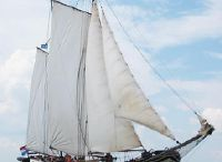 1900 Barge Charter clipper
