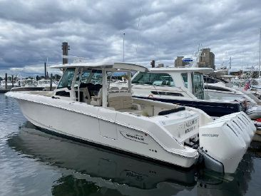2021 38' Boston Whaler-380 Outrage Quincy, MA, US