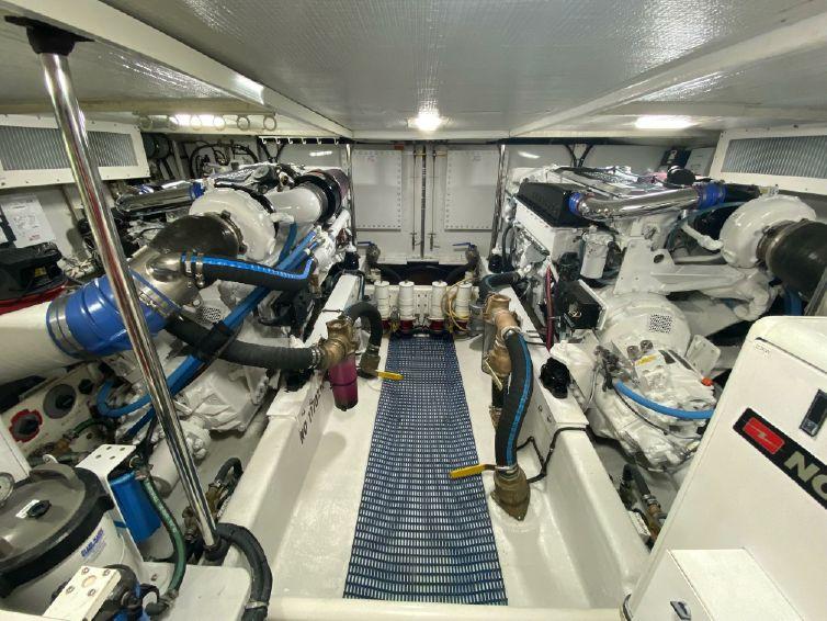 2005-65-pacific-mariner-motor-yacht