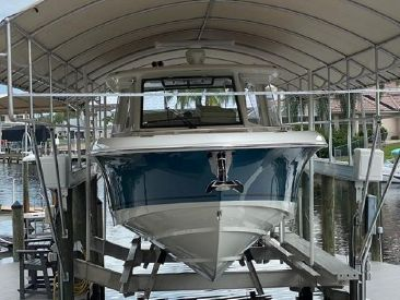 2019 35' Boston Whaler-350 Realm Fort Myers, FL, US