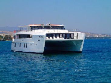 2015 102' Power-Catamaran CY