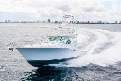 2012 40' Cabo-40 Hardtop Express Miami, FL, US