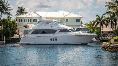 2013 72' Hatteras-Motor Yacht Lighthouse Point, FL, US