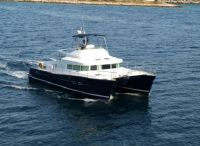 2005 Lagoon Powercat 43