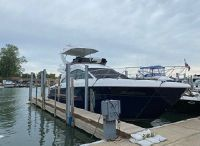 2017 Cruisers Yachts 54 Fly