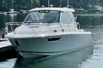 2021 32' Pursuit-OS 325 Offshore Chester, NS, CA