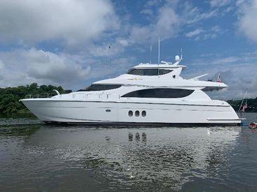 2005 80' Hatteras-Motoryacht Georgetown, MD, US