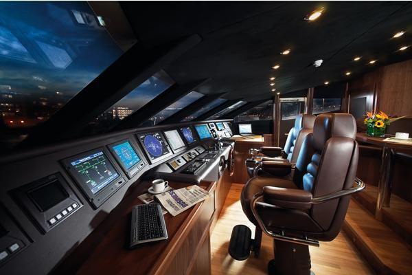 2009-121-sunseeker-37-metre-yacht