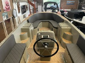 2021 TendR 23 inboard