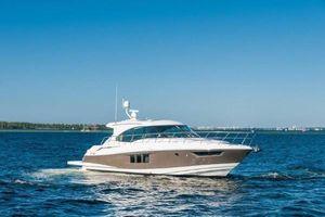 2015 45' Cruisers Yachts-45 Cantius Destin, FL, US