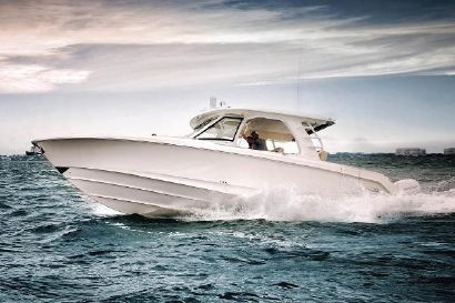 2018 35' Boston Whaler-350 Realm Fort Myers, FL, US