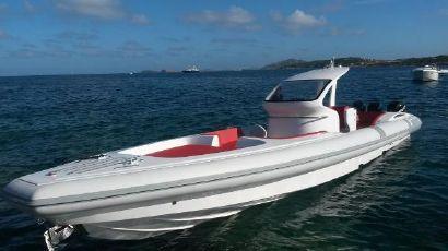 2021 46' Pirelli-PZero 1400 Outboard Edition FL, US