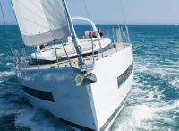 2022 Beneteau Yacht 62