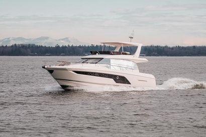 2021 59' Prestige-590 Portland, OR, US