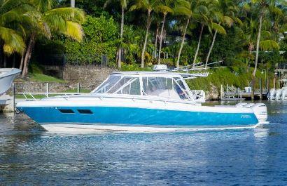 2017 37' Intrepid-375 Walkaround Coral Gables, FL, US