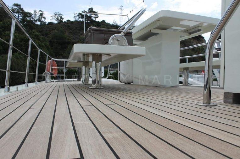 2004-75-6-custom-trawler-23m