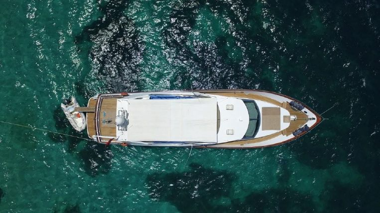 1994-75-6-custom-italian-design-turkish-build