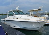 2010 Boston Whaler 345 Conquest
