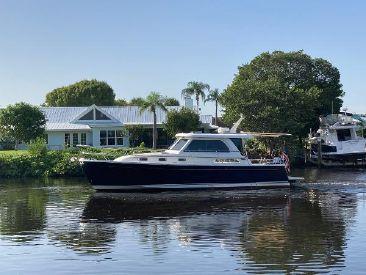 2017 38' Sabre-38 Salon Express Stuart, FL, US